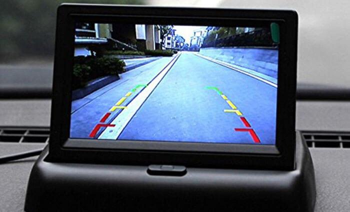 1-dopolnitelnyj-monitor-dlya-kamery-zadnego-vida-na-torpede.jpg